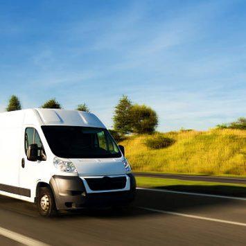 Asociace prodejců použitých automobilů – autobazarů (APPAA) nabízí ve spolupráci se svými členy zapůjčení vozidel i s řidičem zdarma